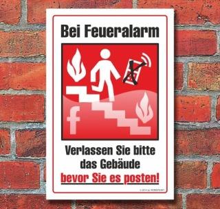 Schild Bei Feueralarm Gebäude verlassen, nicht posten, 3 mm Alu-Verbund