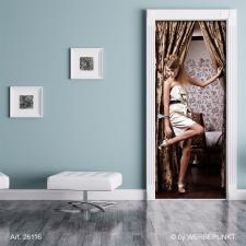 Türtapete Türposter Türfolie Elegante Frau Vorhang , selbstklebend 2050 x 880 mm