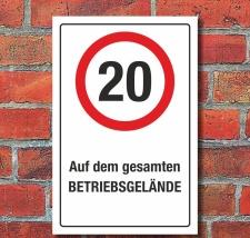 Schild Auf dem gesamten Betriebsgelände 20 km/h...